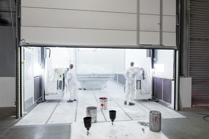 Spraybooth with Alfalifts HX3